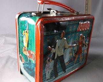 Lunchbox Vintage 1981 Annie  Metal Lunchbox No Thermos.epsteam