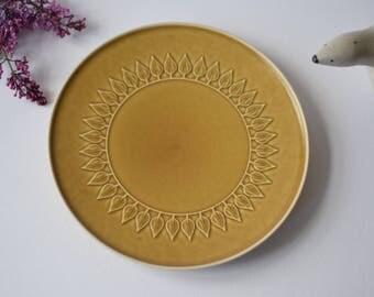 Quistgaard - RELIEF - big circular platter / serving plate - Nissen / Kronjyden - Danish midcentury pottery