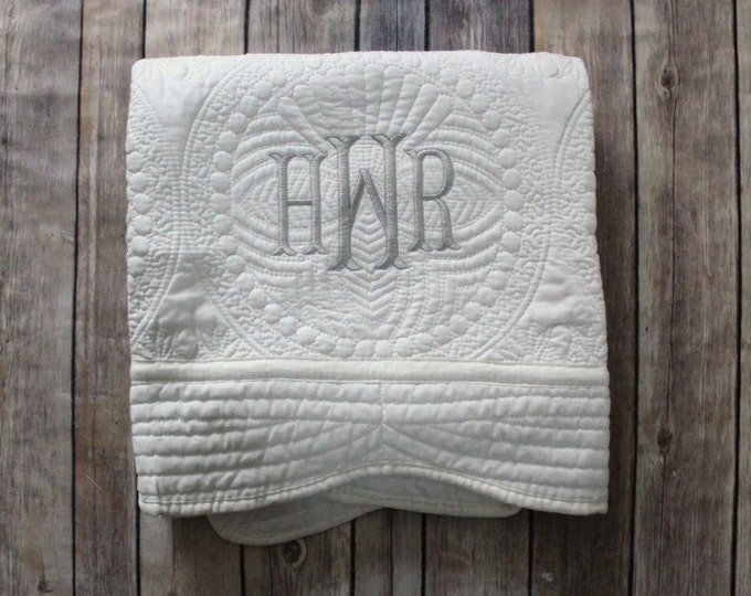 Monogrammed Baby Quilt, Personalized Baby Blanket, Personalized Baby Quilt, Monogrammed Baby Blanket, Baby Girl Quilt, Christening Gift
