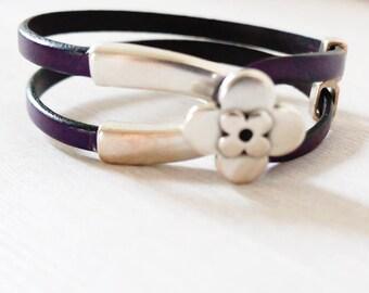 Woman leather bracelet, Natural leather bracelet, Eggplant leather bracelet, Aubergine leather, Silver flower bracelet, Double wrap leather