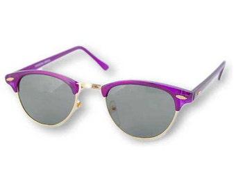 Vintage Lavender Cats Eye Sunglasses. Retro Cats Eye Sunglasses. Cute Lavender Cats Eye Sunnies. Funky Lavender Cats Eye Sunglasses.