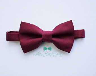 Burgundy Wine Boys Bow Tie..Ring Bearers Bow Tie..Boys Formal Wear..Boys Wedding Bow Tie..Boys Cake Smash Bow Tie..Kids Bow Tie..Best Man