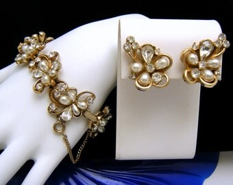 Elegant Vintage Hollycraft Faux Pearl Rhinestone Bracelet Earrings Set COPR 1953