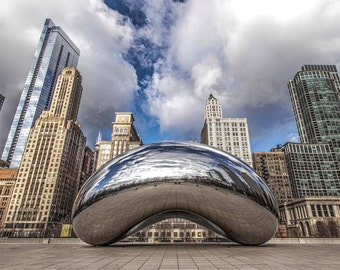 Cloud Gate (Bean) in Millenium Park in Chicago