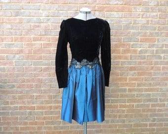 Vintage Scott McClintock petite open back black and blue dress