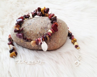 Autumn colours gemstone chip bead necklace. A silver plated leaf charm browns / reds UK necklace.