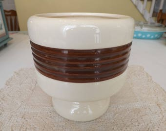 Vintage Haeger Planter/Planters and Pots/Home and Living/Home and Garden/Outdoor and Gardening/Brown and Ivory/Pedestal Planter #281 USA