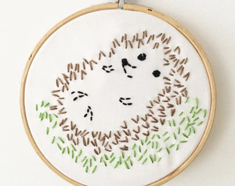 Beginner Embroidery Kit - Hedgehog in Grass