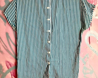 Vintage pinstriped button down t shirt blouse blue and white nurse doctor prison garb stripes cute 50's 60's housewife retro mod