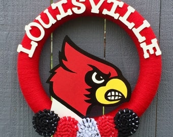 Louisville Cardinals Wreath // Football Basketball Baseball // Yarn Wreaths // University of Louisville  // U of L // Graduation Party Decor