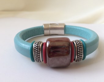 Handmade Leather Bracelet Aqua Color Antique Silver Magnetic Clasp Red Silver Ceramic Focal Dot Sliders European Leather Jewelry Accessories