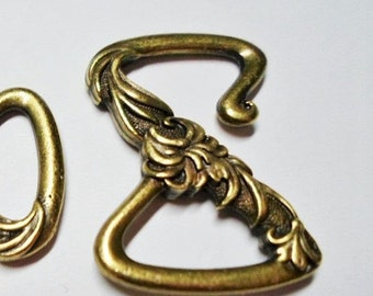 1 Brass Tierra Cast Floral Z Hook Clasp for 10mm flat leather cord, Bracelet Jewelry supplies by Kallyco on Etsy, 10mm flat
