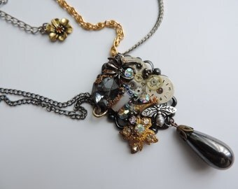 "Steampunk necklace baroque ""Time that stops"". Unique piece"