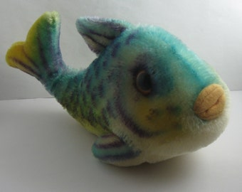 Original STEIFF 2300. Stuffed toy / plush toy animal fish FLOSSY blue. Length approx. 24 cm. Material: Mohair plush. Probably 1970s. VINTAGE