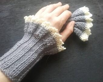 handknitted wristwarmer , cotton, light grey