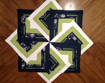 "SeaHawks-Swirl CardTrick 30"" Table Topper"