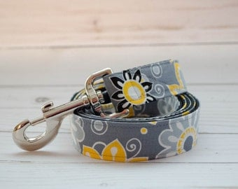 5 foot long Dog Leash in Gray and Yellow Print to match Sunny Daze Flower collars