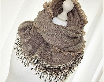 Large knitted scarf Brown beaded lace Cap