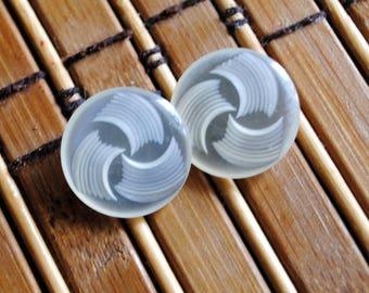 Vintage Acrylic White Round Shank Style Button