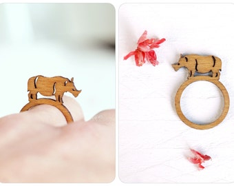 Rhino ring, rhino wood ring, rhino jewelry, wooden ring, ring animal motif, be strong