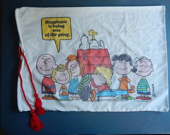 """20"""" x 27"""" Peanuts Laundry Bag/Repurposed Pillowcase Charlie Brown Snoopy + The Gang 1971"""
