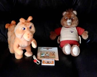 Vintage Worlds of Wonder Teddy Ruxpin Bear Doll with Grubby and Connection Cable Cord 1 Book and Cassette Tape WOW Working Eyes, Nose Mouth