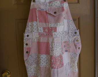 Vintage 1980s 1990s pastel pink floral print shorts overalls made by Not Guilty size large L denim 80s 90s