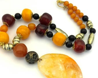 Vintage Amber Pressed Resin Orange Brown Wood Beads Ethnic Pendant Necklace