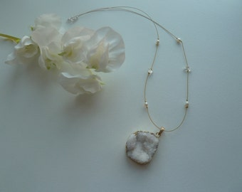 Gold plated neckwire with white drusy quartz pendant, freshwater pearl and rock crystal