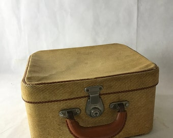 1940's The Cygnet  Suitcase