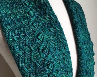 String of Pearls Cowl pattern PDF