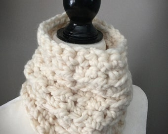 Toddler Crochet Cowl/Toddler Neck Warmer/Chunky Scarf/Ivory