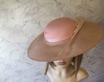 Beautiful Authentic Vintage Pale Pink Feather Saucer Shape Hat SZ  s/m