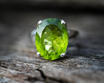 Peridot Ring Size 6.5 - Peridot ring - Peridot Ring - August Birthstone - August Birthstone - Peridot jewelry- Size 6.5 Ring