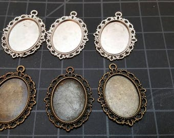 Settings silver or bronze cameo setting.  for oval cameo or gems. Inside is 18 × 25mm. Choose silver or bronze gold.