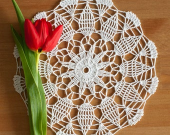 FREE SHIPPING Crochet Doily 20 cm // #2-17