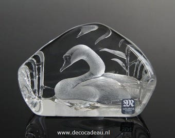 Crystal sculpture 3558 Swan of Mats Jonasson Wildlive, Sweden.