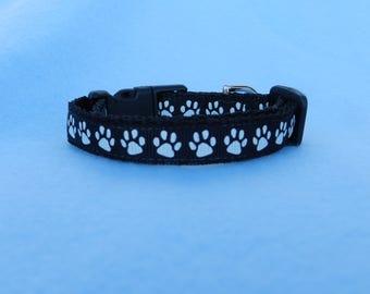 XS Pawprints Dog Collar