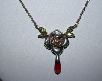 Stunning Vintage Sterling Silver 925 Necklace w/ Rose Pendant Garnet Peridot
