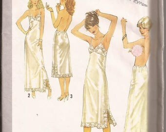 Simplicity 8862 Misses Slip and Half Slip, Sizes 18 & 20. Vintage 1978