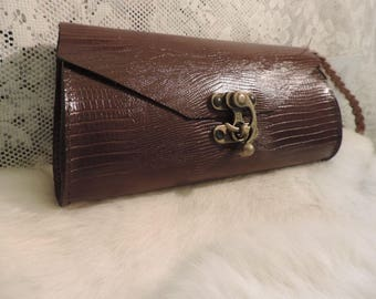 Handmade leather Wispett- clutch