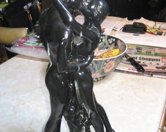 THE KISS - STATUE