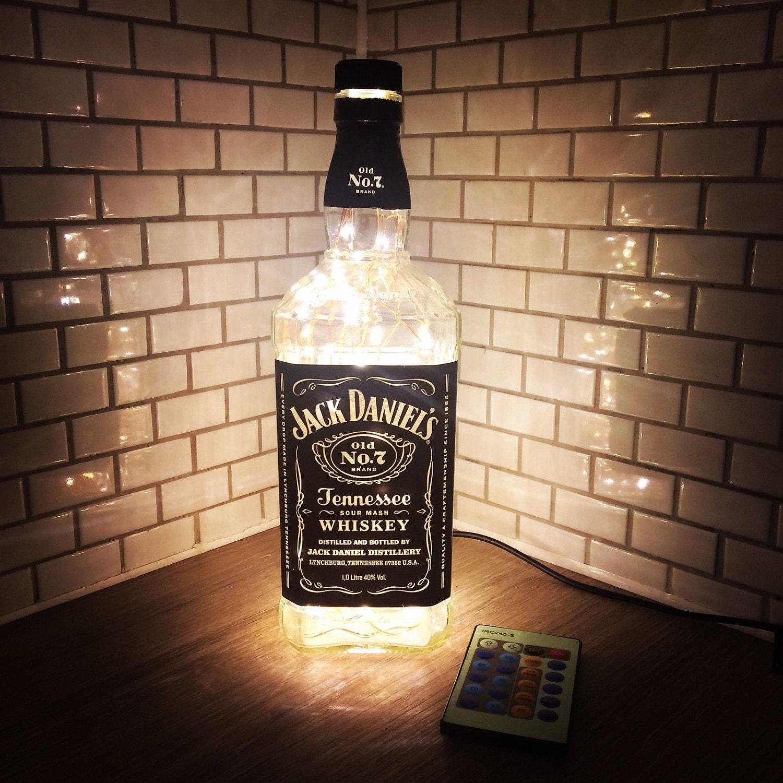 1 liter remote led jack daniels flasche lampe in warmwei. Black Bedroom Furniture Sets. Home Design Ideas