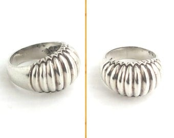 Sterling silver domed ring, ribbed dome in front, plain band at back, hallmarked 925, size Q - UK & 8 - US, 8 grams, 1970s