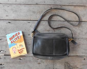 Vintage COACH Bag No.816-2704 / Black / Leather Crossbody Bag , Purse / Medium / Authentic / Made in New York City , USA