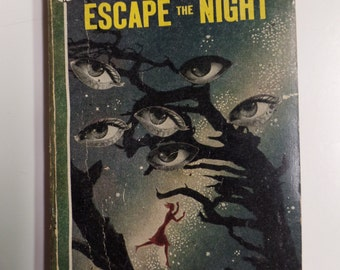 Escape the Night by Mignon G. Eberhart Bantam Books #46 1946 Vintage Mystery Paperback