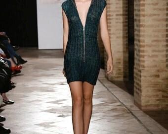 Fashion dress made in merino wool and viscose/ vestido elaborado en lana merino y viscosa