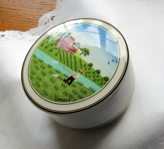 Outdoor Scene Villeroy and Boch Round Porcelain Trinket Box