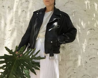 Black Leather Distressed Motorcycle Jacket | 90s vintage | boyfriend | biker | harley davidson | grunge | oversized | size 40 | medium