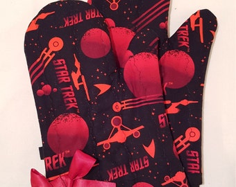 Red Shirts Star Trek Oven Mitts!